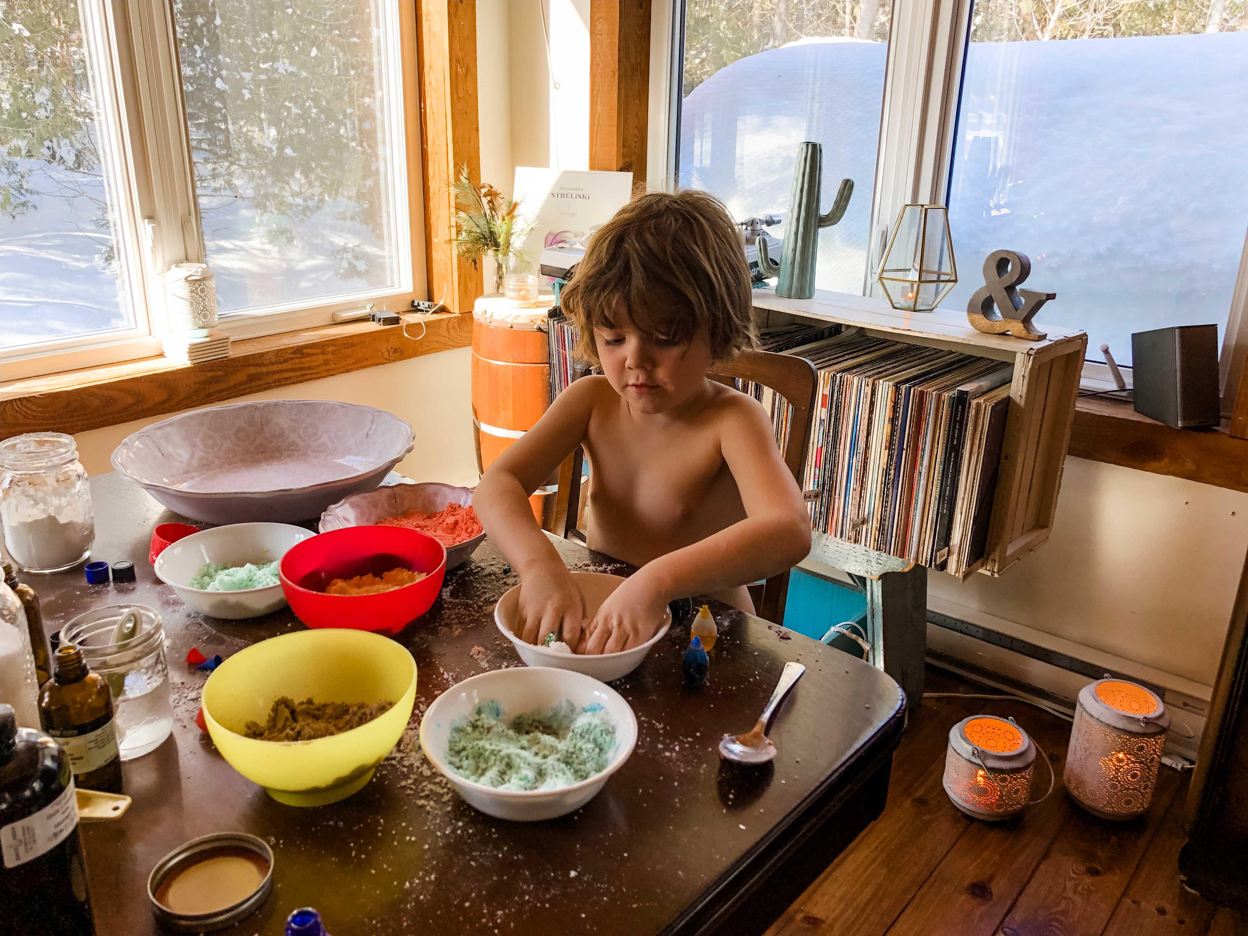 Recette de bombes de bain effervescentes DIY à faire avec ses enfants